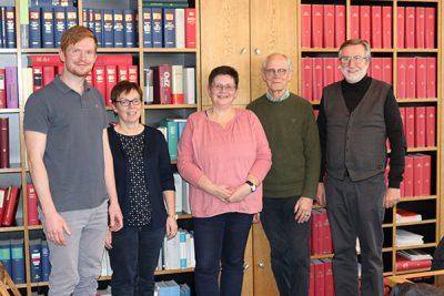 Vorstand der WiGe mit Vertreter der Stadt Warendorf und der Kirchengemeinde St. Laurentius zur Vertragsunterzeichnung